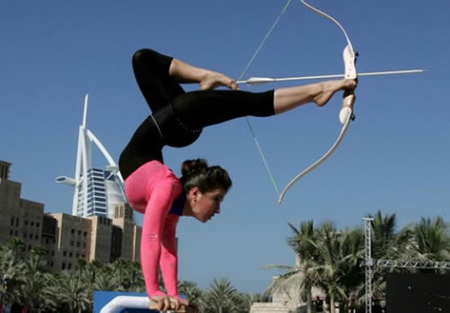 91-Hot-Contortionist-Archery-Girl-with-a-Nice-Ass