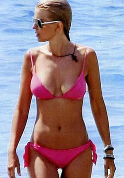 elena_rapti_is_the_hottest_woman_in_greek_parliament_640_08