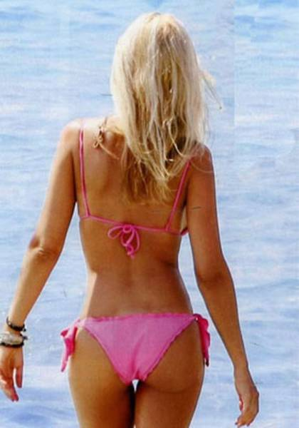 elena_rapti_is_the_hottest_woman_in_greek_parliament_640_10