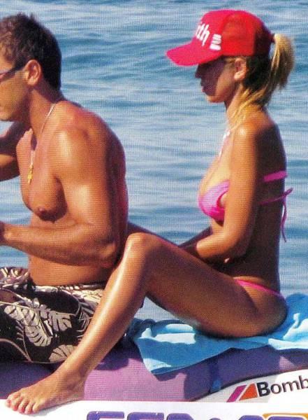 elena_rapti_is_the_hottest_woman_in_greek_parliament_640_18
