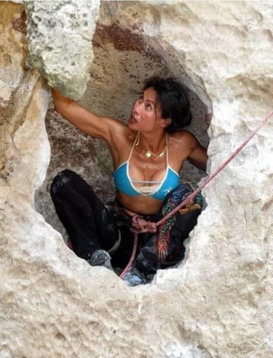 hot_rock_climbing_girls_08