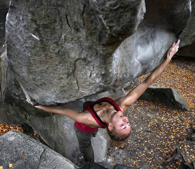 hot_rock_climbing_girls_14