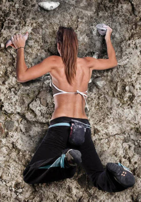 hot_rock_climbing_girls_15
