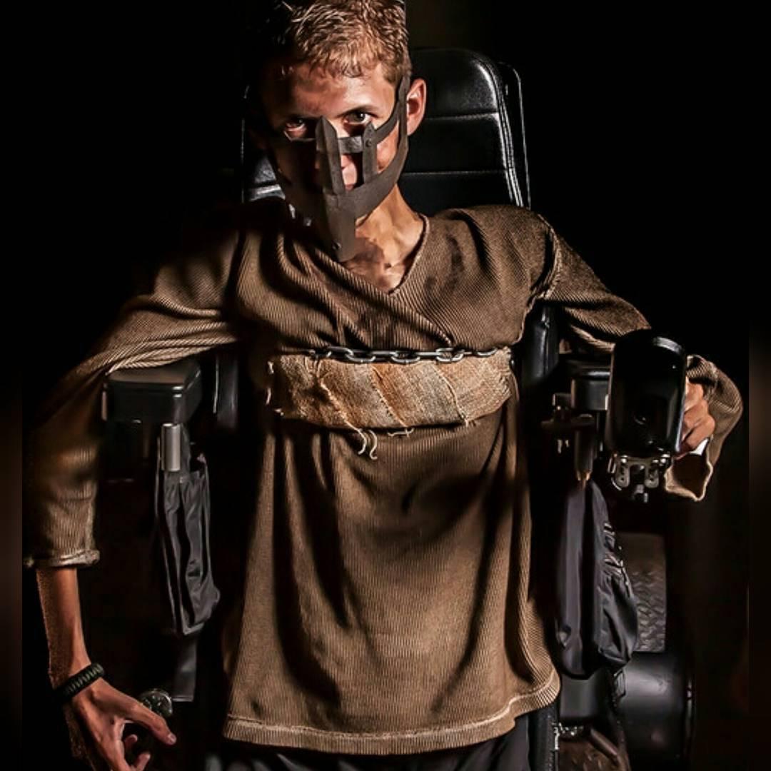 mad-max-wheelchair-cosplay-bloodbag-ben-carpenter-3