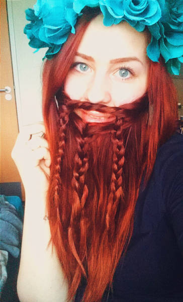 ladybeards_are_the_worst_trend_yet_640_10