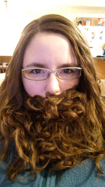 ladybeards_are_the_worst_trend_yet_640_15