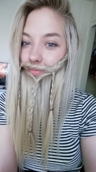 ladybeards_are_the_worst_trend_yet_640_17