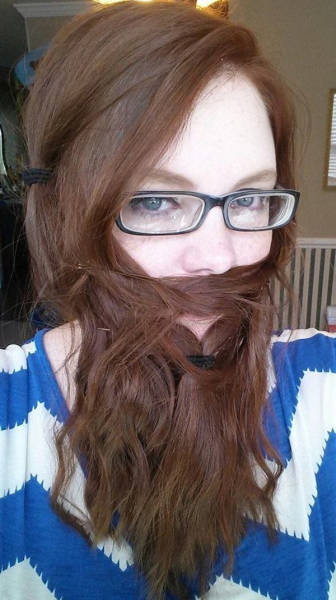 ladybeards_are_the_worst_trend_yet_640_21