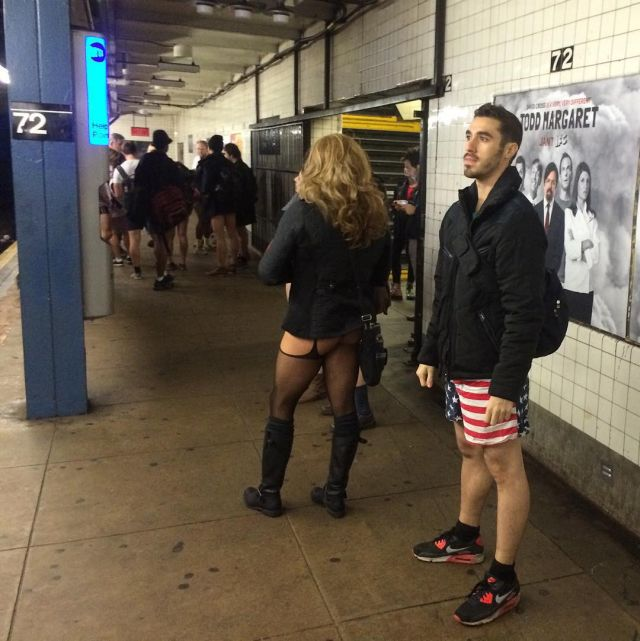 no_pants_subway_ride_07