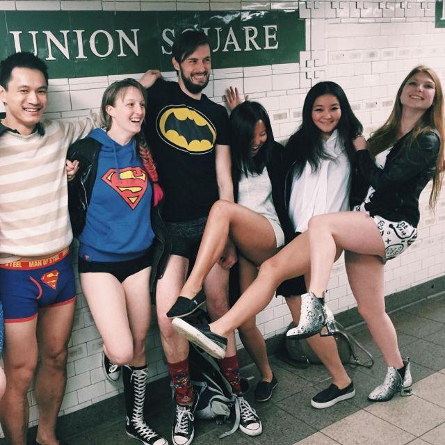 no_pants_subway_ride_08