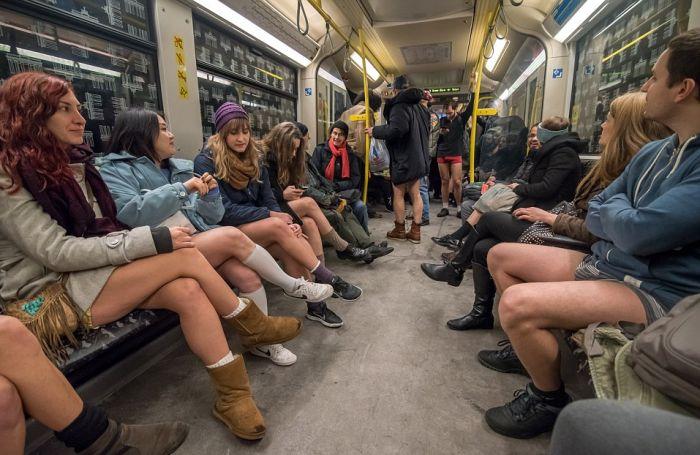 no_pants_subway_ride_14