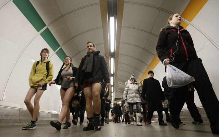 no_pants_subway_ride_18