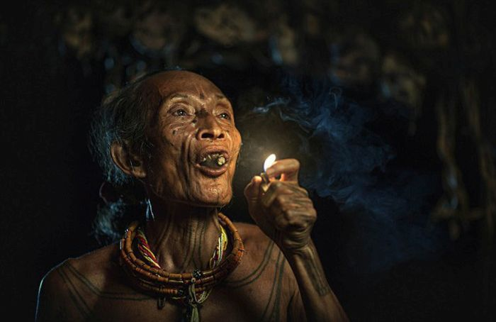 indigenous_people_of_indonesia_02