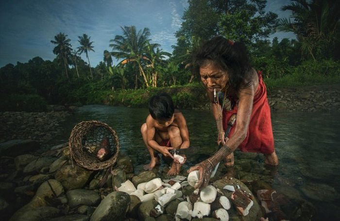 indigenous_people_of_indonesia_05