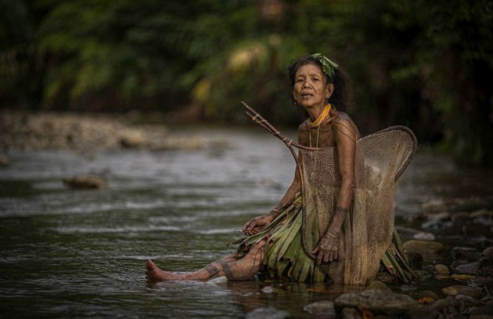 indigenous_people_of_indonesia_08
