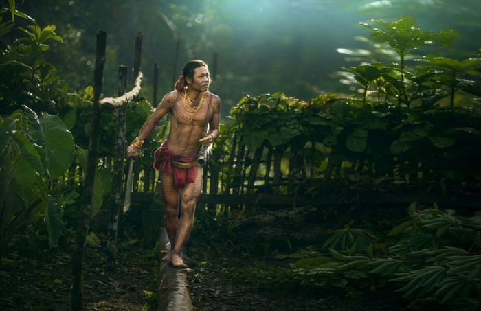 indigenous_people_of_indonesia_13