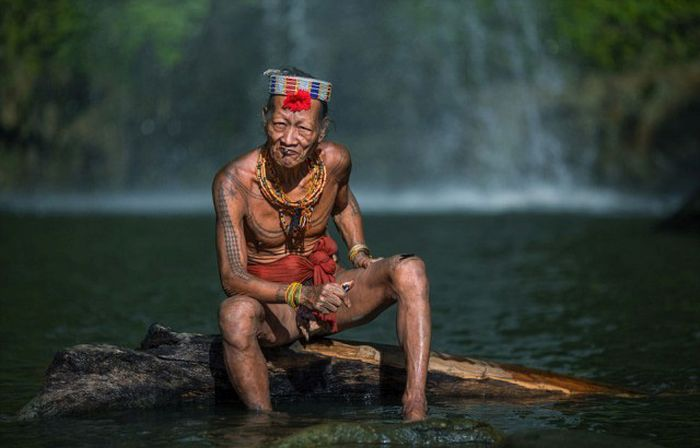 indigenous_people_of_indonesia_16