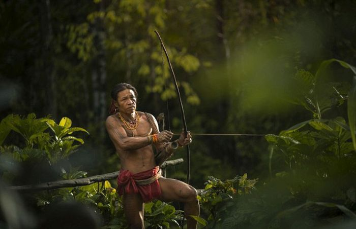 indigenous_people_of_indonesia_20