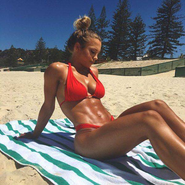 strong_sporty_girls_23