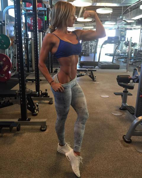 strong_sporty_girls_31