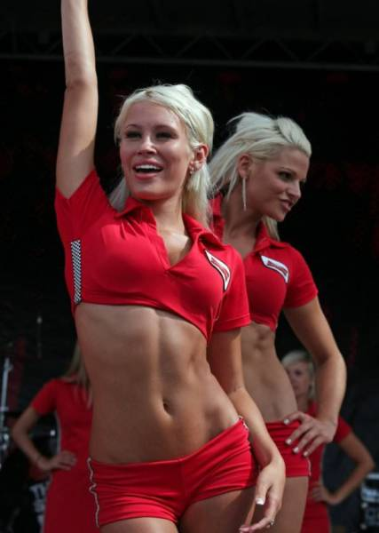 strong_sporty_girls_42