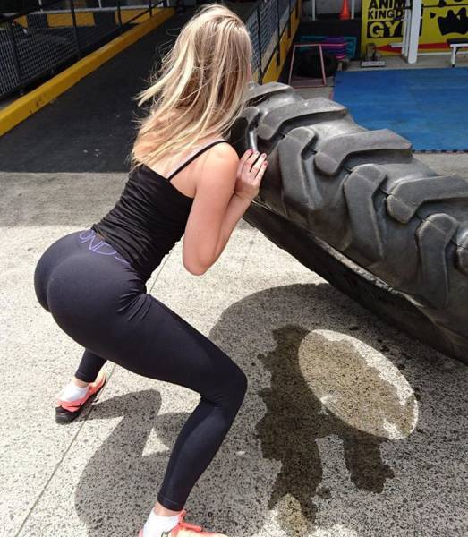strong_sporty_girls_45