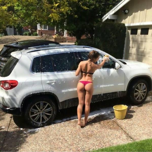 car_washing_babes_12