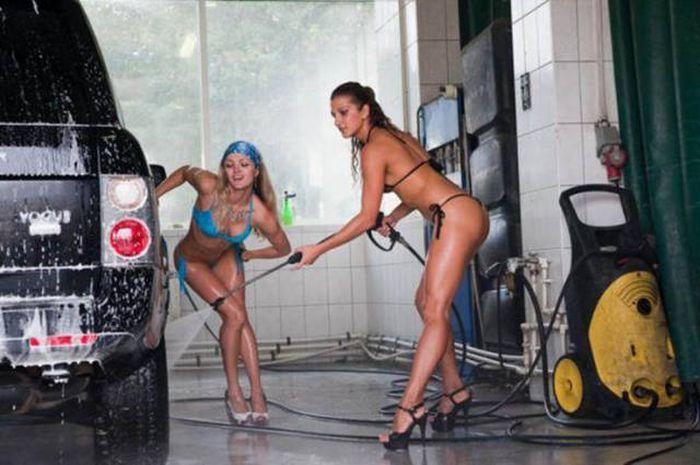 car_washing_babes_41