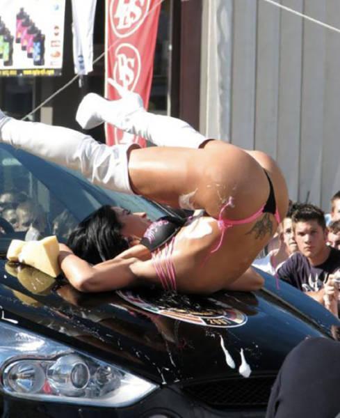 car_washing_babes_48