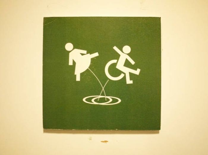creative_toilet_signs_33