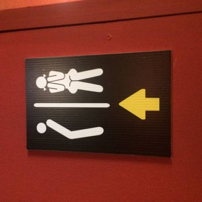 creative_toilet_signs_48