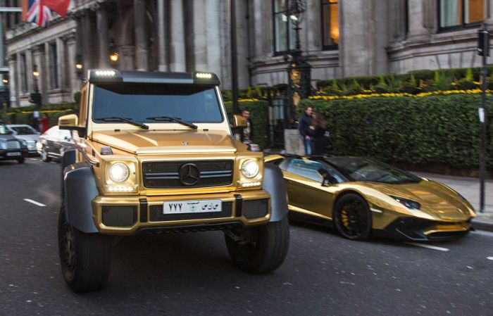gold_supercars_01