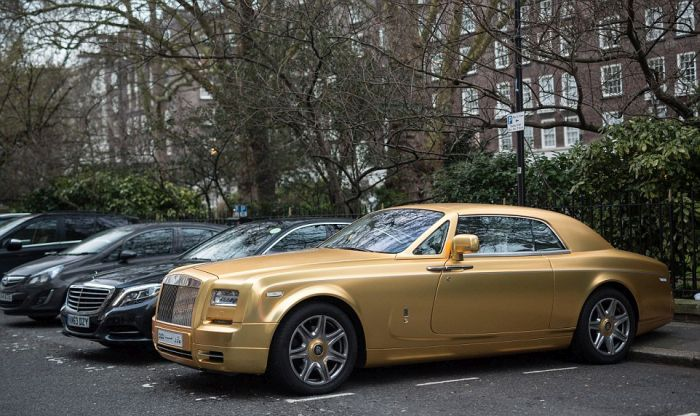 gold_supercars_10