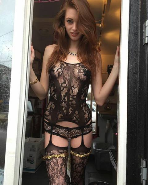 sexy_baristas_that_you_will_wish_were_serving_your_coffee_640_49