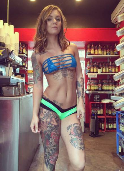 sexy_baristas_that_you_will_wish_were_serving_your_coffee_640_58