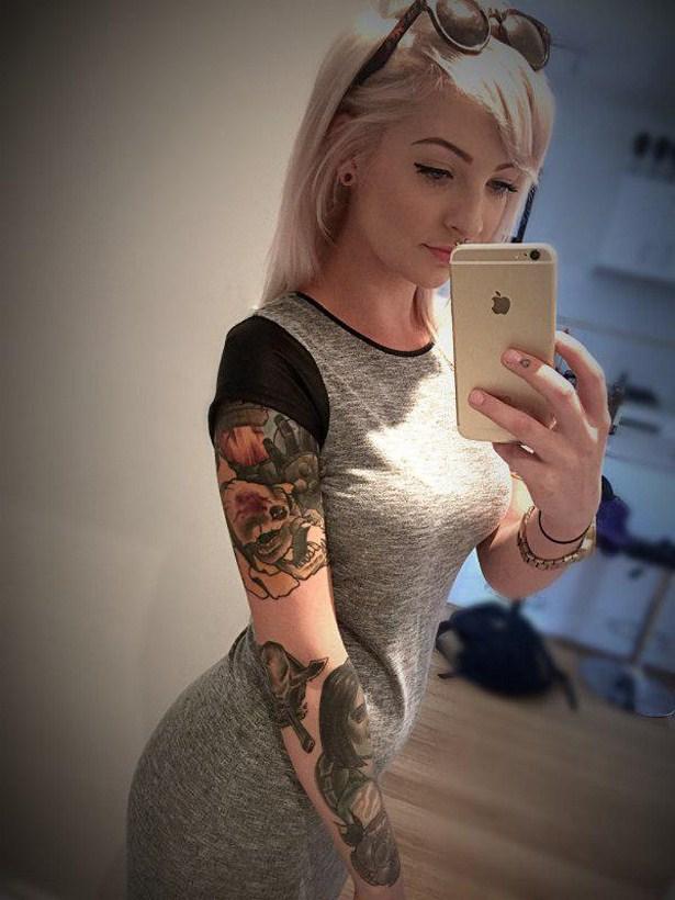 girls_with_tattoo_02