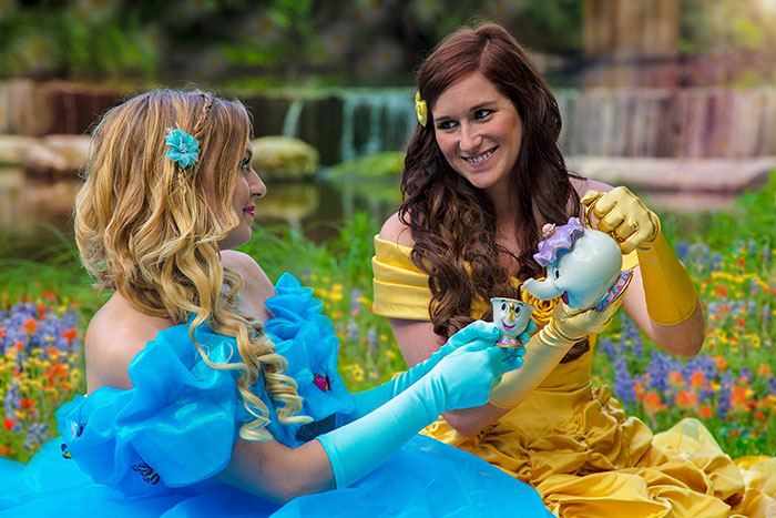 fairytale-engagement-princess-gay-photoshoot-yalonda-kayla-solseng-4